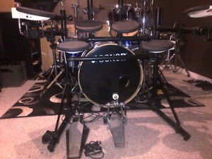 2 Drumkits !!! ROLAND TD-7 ELECTRONIC KIT AND SONOR 4 PC SE KIT