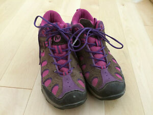 Girls Merrell shoes for fall/spring size 3.5 Kitchener / Waterloo Kitchener Area image 2