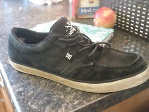 DC skate shoes size 10