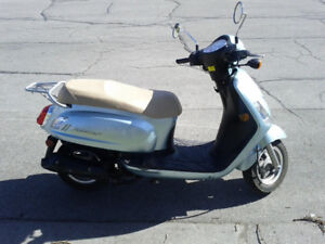 2009 SYM Fiddle II 125cc for sale. Great condition.