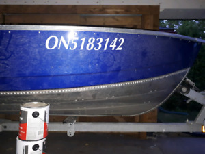 16' deep v aluminum, 4stroke Yamaha electric start and trailer!