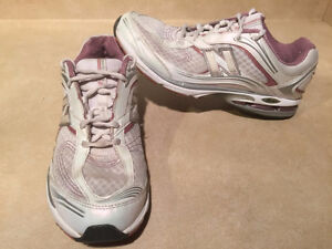 Women's New Balance Abzorb Energy 1200 Running Shoes Size 11 London Ontario image 5