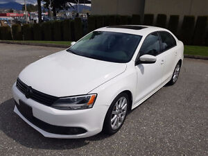2011 VOLKSWAGON Jetta **FULLY LOADED** Low KMS