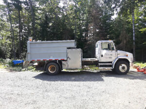 Freightliner fl80 automatic