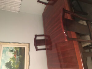 Selling dinner table and cabinet