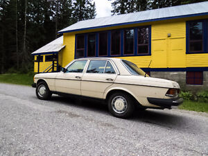 Gorgeous 1981 300D, in very  very good condition
