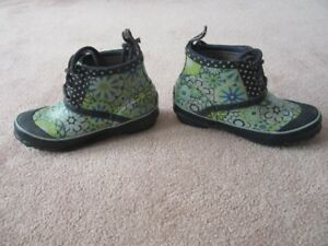 Bogs Rain Boots Charlot style. Child Size 3
