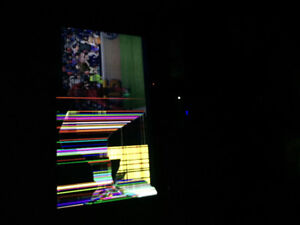 SELLIng broken 60inch smart tv Samsung