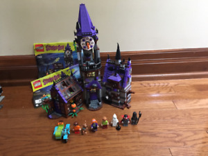 Lego Scooby Doo Haunted Mansion 75904