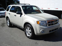 2009 Ford Escape XLT 4X4  4cyl  IMPECCABLE MECANIQUE A 1