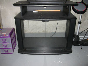 27 INCH TV STAND / TABLE