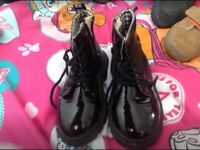 Black boots size 29