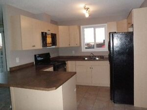Free Rent for Mar ! Gorgeous 2 bedrm/2 bath condo in Stony Plain