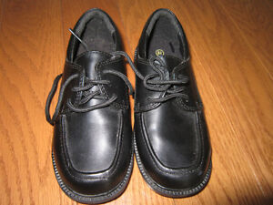 Smart Fit Black Dress shoes - size 8.5 toddler