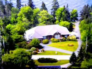 LAKEFRONT FAMILY HOME-PORTERS LAKE