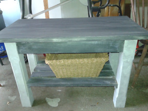 Rustic shabby chic  TV table  or side table! GREAT BUY!