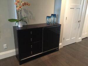 Sideboard table/hutch