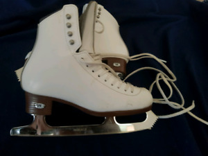 Riedell diamond skates with upgraded blades
