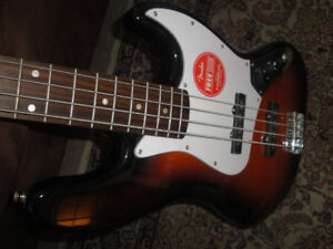 SQUIER FENDER AFFINITY JAZZ BASS ELECT GUITAR BRANDNEW $240
