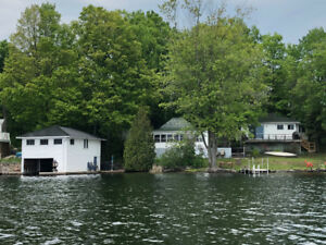 CHARLESTON LAKE WATER FRONT COTTAGE RENTALS - BOOKING 2019 NOW!!