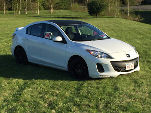 2012 mazda 3 with 44500km 8900$