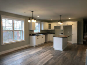 Newly Built 3 Bedroom 1.5 Bathroom Apartments Close to Downtown