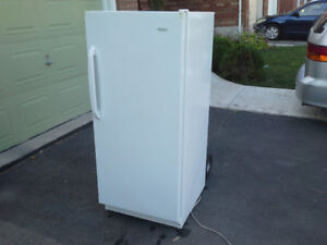 Danby Apartment Upright Freezer .