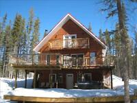 Nordegg Getaway - Private 2 Acres, Hot Tub, Mountain Views