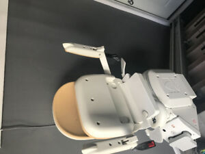 Acorn stair lift 3 years old barley used