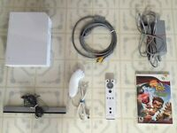 White Wii _ With All Cords / Controller / Nunchuk & Game
