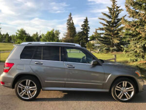 2012 Mercedes Benz GLk350 4Matic Low Kms!