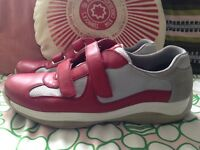 MENS PRADA AMERICAS CUP TRAINERS SIZE 11