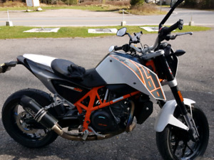 2013 Ktm duke 690 ABS comme neuf 6500$ seulement 16900kms