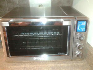 De'Longhi Livenza Convection and Toaster Oven for sale