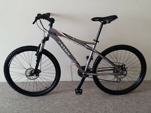 JAMIS,DISC BRAKE,MOUNTAIN BIKE,LIKE BRAND NEW,NICE BIKE