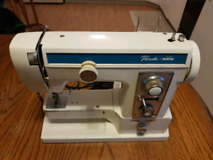Brother XL-700 Pacesetter sewing machine