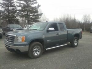 2013 GMC Sierra 1500 Pickup Truck !! SUPER CLEAN !!