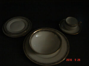 12 place settings of Martin Limoges China Peterborough Peterborough Area image 1