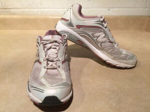 Women's New Balance Abzorb Energy 1200 Running Shoes Size 11 London Ontario image 6