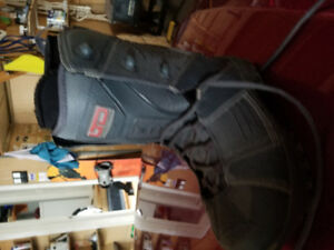 Four pairs snowboard boots