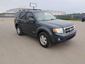 2008 Ford Escape XLT, FWD, auto, loaded, LEATHER, CLEAN