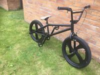 Mongoose program BMX with mag wheels