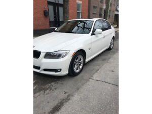 Sporty and luxurious 2011 BMW 328i xDrive Sedan with 45,000km!