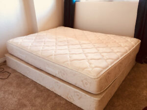 Queen size Bed: Base and Mattress in perfect condition