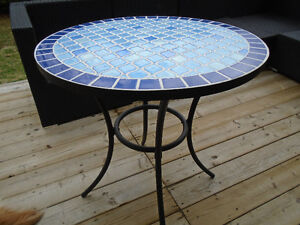 GORGEOUS BLUE MOSAIC TILE OUTDOOR BISTRO TABLE *** CAN DELIVER