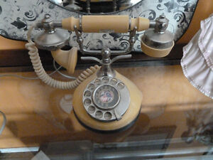 Vintage Fully working Rotary phone