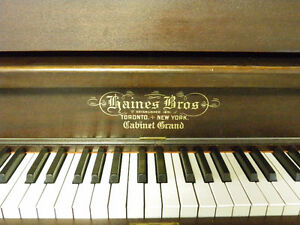 Piano - Antique 1915 Upright