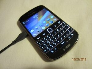 Unlocked T-Mobile BlackBerry Bold 9900 (AWS Wind Videotron)
