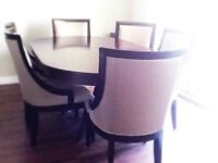 Beautiful and elegant dining set with 6 chairs