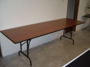 FOLDING TABLES FOR SALE WITH LAMINATED TOP